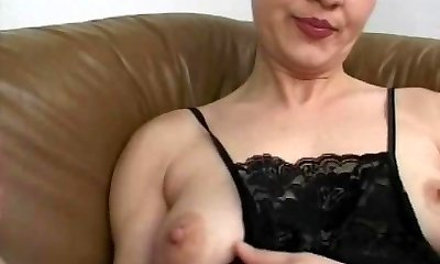 Unexperienced mom gangbang with many boners and facials