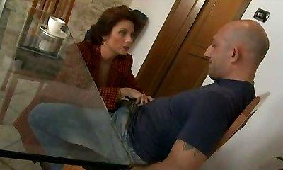 Mature Segretary Go Naughty For Italian Big Cocks - Assfuck S88