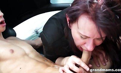 GrandMams.com Granny Vicky has fucky-fucky in car parking lot