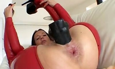 Dirty mature breezy goes crazy dildo