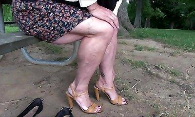 Flashing Muscular Legs