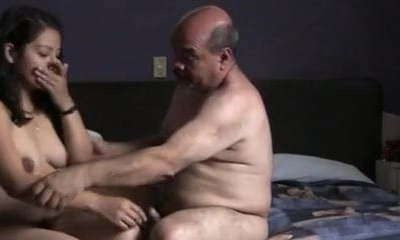 Indian prostitude girl screwed by oldman in motel room.