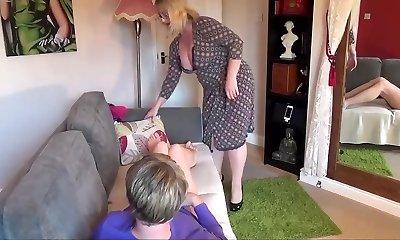 mummy a pantyboy spank