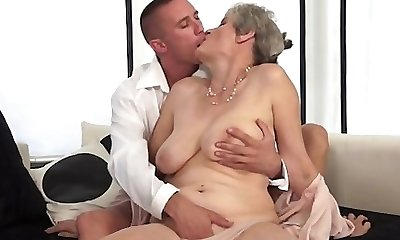 Nice amateur bang-out in public