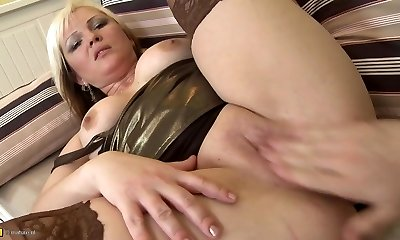 Chubby mum plowed by young boy