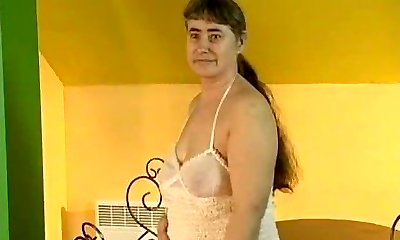 Grubby mature wife loves fucking