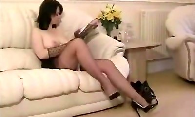 Luxurious mature curvy sweetie does it all!