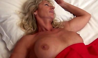 Sexy french cougar ass fucked