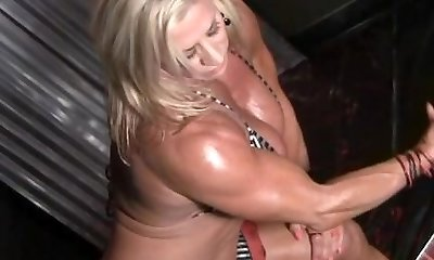 Wanda Moore 07 - Chick Bodybuilder