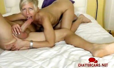 Blonde MILF Gives LIVE Anal Frigging Bj