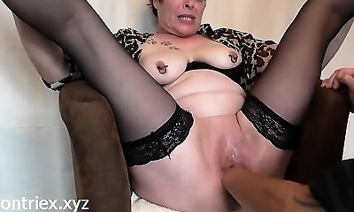 Mature Fisting Squirting Orgasm