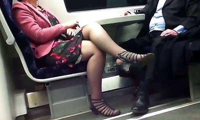 Candid Sexy Crossed Legs 8. Red-hot Mature! (+slow movement)
