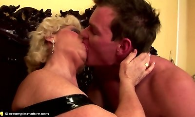 Grandma creampied into unshaved pussy by young guy
