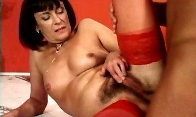 anal with a mature milf bushy rosy pucker troia culo peloso