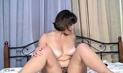Wanks In Sofa & Orgasms HER SNAPCHAT - WETMAMI19 ADD