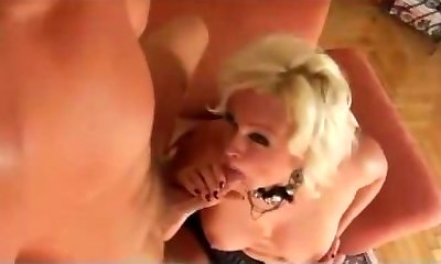 German MILF get fucked by youthfull nasty guy