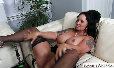 Nasty brunette MILF Maci Maguire gets her twat licked and banged