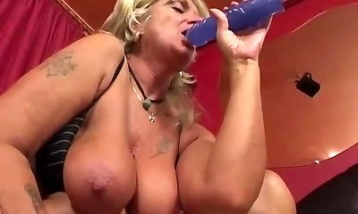 Granny having anal intercourse with boinking machine