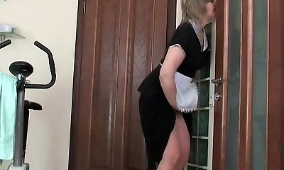 Fit guy fuck mature maid