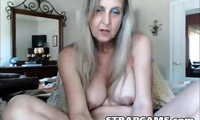 Horny mature milks on webcam