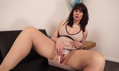 Big ass British mature milf