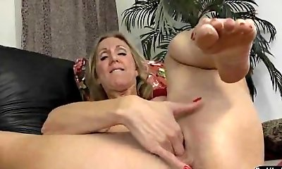 Mature Show Her Huge Puffies