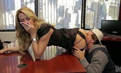 Divine blonde mom Jessica Drake is penetrated really well