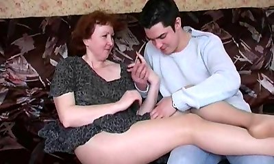 Russian mature mom in tights and her fellow! Amateur!