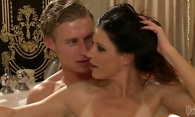 Sexy mommy with innate assets India Summer gets all holes banged