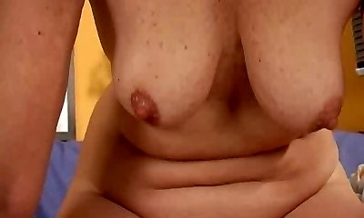 Mature redhead bangs her liberate pussy