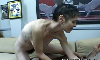 Lean old entire makes customer to lick hairy pussy sitting on his face
