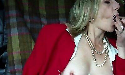 Hot mature blonde smoking oral job