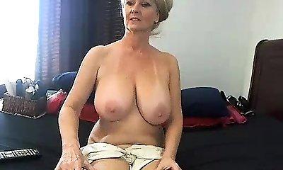 fledgling meganrosex masturbating on live webcam