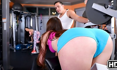 Bella Skye & India Summer & Peter Green in Dirty Bella - MomsBangTeens