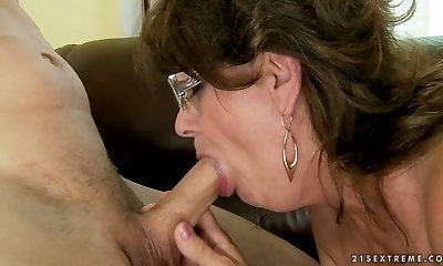 Horny granny takes it inhale and drinks cum