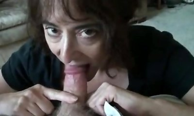 mature wifey sucking puny cock and swallows
