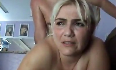 mature ash-blonde getting her anal racion