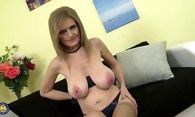 Mature princess mom with supah thick saggy tits