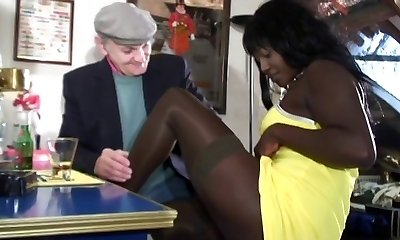 Papy is plowing a black beauty anal and deep oral job sex