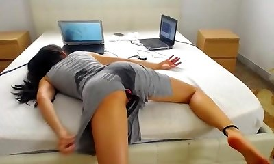 She ass screwed herself to bed