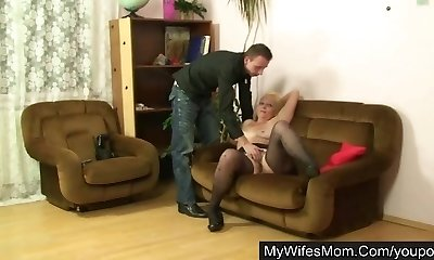 Wife saw her mom romping with hubby