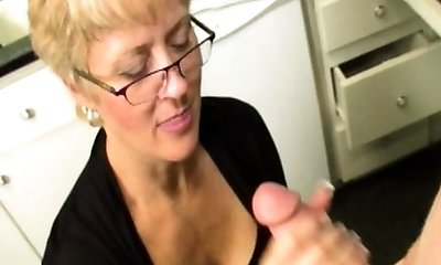Mature step-mother wanks stepson till bukkake