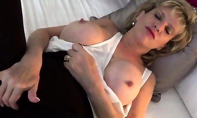 Unfaithful brit mature gill ellis shows her oversized p