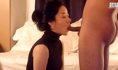 Astonishing babe is attempting to intensify enjoyment