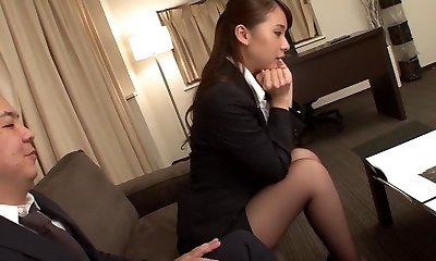 начальник трахается на работе видео уважительно