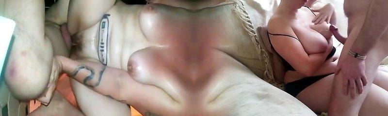 Dövmeli karısını sert zıplatma