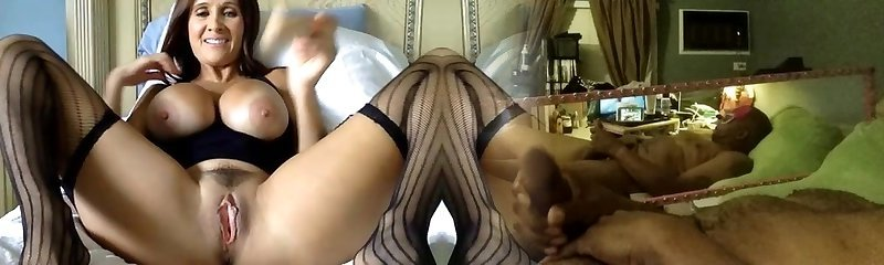 Super Hot mature playing solo