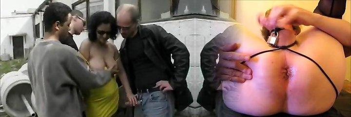 niemiecki dojrzałe fuckslut lubi odkryty gang bang