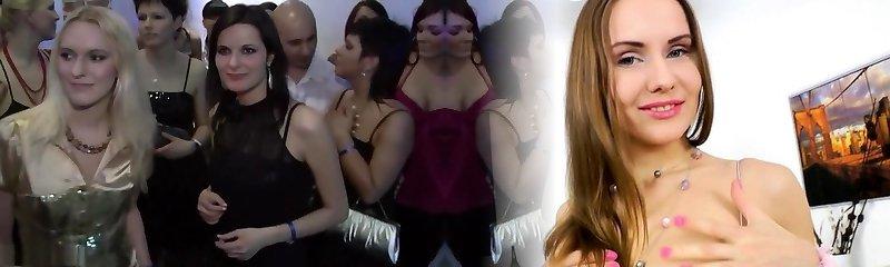 şehvetli porno endüstrisi yıldızları sharon pembe, tera joy ve sofia valentine görkemli grup sevişme, olgun hard-core klip