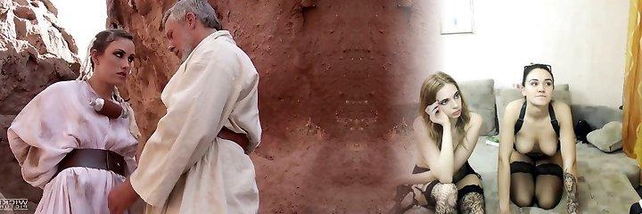 tiener skank jennifer white geboord diep in haar kombuis door grijze haren volwassen kerel